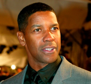 DENZEL WASHINGTON AT THE GQ AWARDS IN NEW YORK
