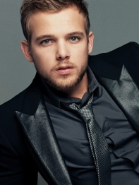 1362427844_max-thieriot-01